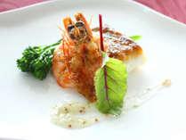 クリスマス限定鉄板焼きコース!旬魚と海老の鉄板焼きもお楽しみください