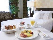 優雅なルームサービスの朝食はホテルステイの醍醐味♪(イメージ)