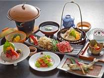 季節の会席膳~近江牛や素材重視の盛りだくさんな内容です♪当館の人気メニュー