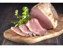 【夕バイキング】贅沢にも国産牛を使用した、国産ローストビーフが食べ放題!(1/6まで)