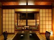 【Cタイプのお部屋】 眺望はありませんが、古き良き雰囲気を保ったお部屋でございます。
