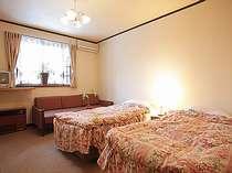 【かたくり】の洋室は3室、3名様からソファベッド利用となります。
