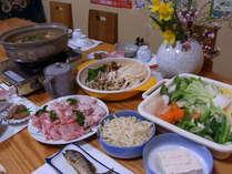 当宿特製の味噌鍋!無農薬野菜と共にご賞味ください。お鍋の最後はうどんをお楽しみください。