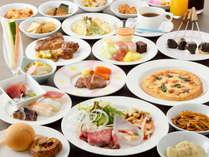 <ビュッフェ会場のお料理(一例)>40種類以上のお料理が並ぶ会場で一番のお気に入りを見つけましょう♪