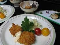 6月~10月は、獲れたてのサロマ湖産ホタテが夕食のメニュー。