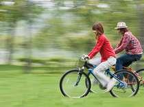 周辺の自然を満喫しながら、サイクリングをお楽しみください。