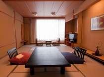 ■白雲南館 ファミリールーム(和室12.5畳+ツインベッドルーム+リビング)、バス・トイレ付