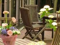 ◆ホテル中庭◆晴れた日はご利用いただけます。