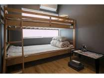 二段ベッドのお部屋です。こちらは二名様ご対応。