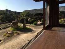 縁側と日本庭園でくつろげる古民家宿♪ 個室3名様用 素泊まり 3400円(人)