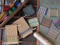 滞在しながらい草文化体験♪い草の機織り、コースターづくり体験ができます。