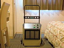 清掃時にオゾン消臭機でお部屋を殺菌・消臭しております。