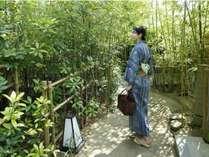 エントランス◆竹林の中を抜けて大浴場へ