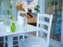 サンルーム☆朝食、夕食はこちらでお召し上がり下さい。