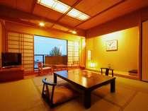 【和室8畳】すべての客室から琵琶湖が一望できます。くつろぎのひとときをお過ごし下さい。