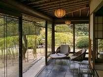 藁の家 テラス