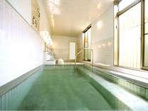 *2007年リニューアルの大浴場は明るくて清潔感いっぱい!療養泉に認定されています。