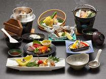 【漫遊膳】その季節に採れる群馬産の食材を豊富に使った懐石料理です。