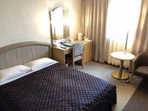 ◆ダブルルーム◆横幅150cmのゆったりベッドで2名様がゆったりとお休みいただけます。
