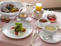 ルームサービス朝食イメージ(淑女のこだわり ヘルシーメニュー)