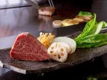 【けやき】鉄板焼き。絶景レストランで極上のお肉を。