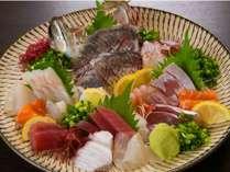 【鮮魚8種盛合せ】季節や日によって、種類は異なります。