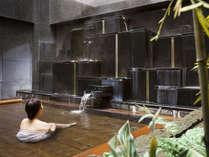 【温泉】ホテル自慢の檜露天風呂は格別