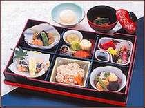 和食レストラン『さくら』月替り彩り弁当