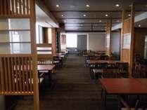 2014年8月リニューアルされた日本料理「さくら」店内(1)