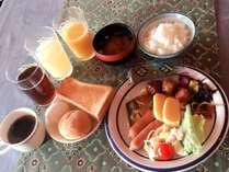 御宿泊者様限定セルフサービスの無料朝食!6時半から9時まで提供してます。どうぞお召し上がり下さい。