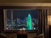 【客室からの眺望】横浜・みなとみらいの街灯りが煌くシティビュー※客室により観覧車の角度が異なります