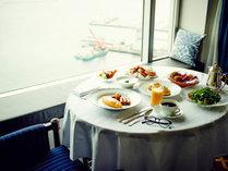 【朝食】ルームサービスでのんびりと