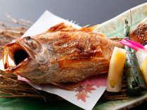 のどぐろの塩焼き:白身のトロと称されるほどの芳醇な旨味をご賞味♪