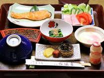 朝は体に優しくシンプルな朝食を