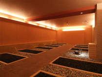 ◆岩盤浴:秋田県玉川温泉の湯の花を焼結させたセラミックボール使用の本格的岩盤浴