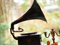 クラシカルな音楽を聴きながら、喫茶店「花いかだ」でほっと一息