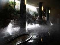 1階「山頭火の湯」。レトロな大浴場はファンも多い人気のお風呂。