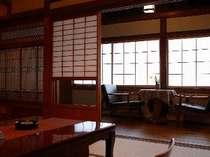 本館和室一例。昭和初期のにおいを残しつつ機能的に生まれ変わりました。
