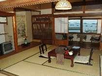 本館和室一例。建築当初の面影を残す和室です。