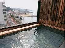 小浜温泉街を一望できる貸切露天風呂