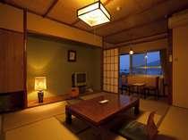 鉄筋7階建ての別館です。10畳の和室タイプの一例です。