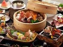 イメージ料理【小浜名物温泉蒸し会席膳】。源泉で蒸し上げた一品です。