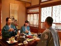 『お部屋食もしくは個室会場食』プランは当館のお薦めです。