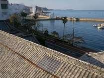 別館和室から見える橘湾・小浜温泉の風景
