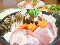 *【山賊鍋】ヘルシーな鶏肉のお鍋です。