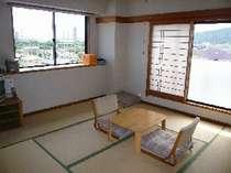 和室 8畳 2~4人用 (バス・トイレ付)