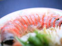 お刺身でも召し上がれる金目鯛を贅沢に使っています。