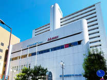 JR大阪駅より徒歩5分、阪急梅田駅(茶屋町口)より徒歩3分