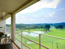 見渡す限りのグリーンビュー。四季折々、那須の景色をすべてのゲストルームからお楽しみ頂けます。