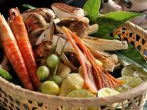 香り高い松茸を、平八茶屋ならではの技巧・調理で秋の特別懐石に仕立てます。